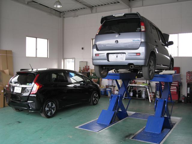 当店では整備工場を併設しております。お車の急なトラブルにも対応できますのでご安心いただいています♪
