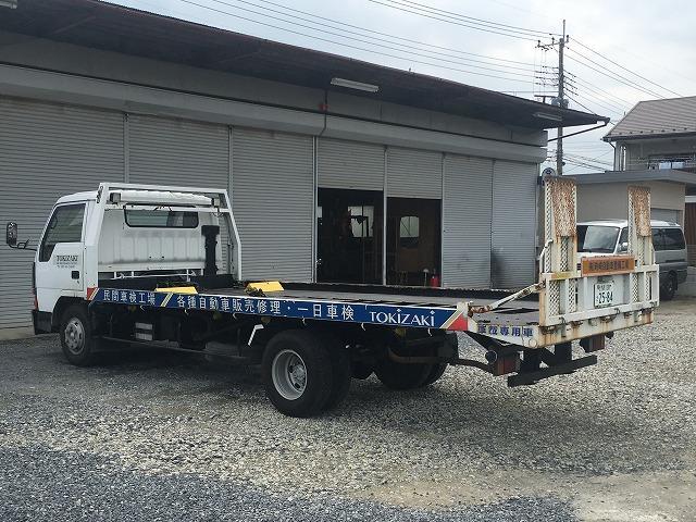 積載車も完備しております。納車・引取り・事故引き上げまでお任せ下さい。