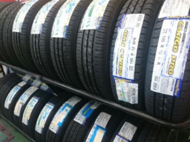 シーズンタイヤ・スタッドレスタイヤ・アルミホイール(新品&中古)販売しております。