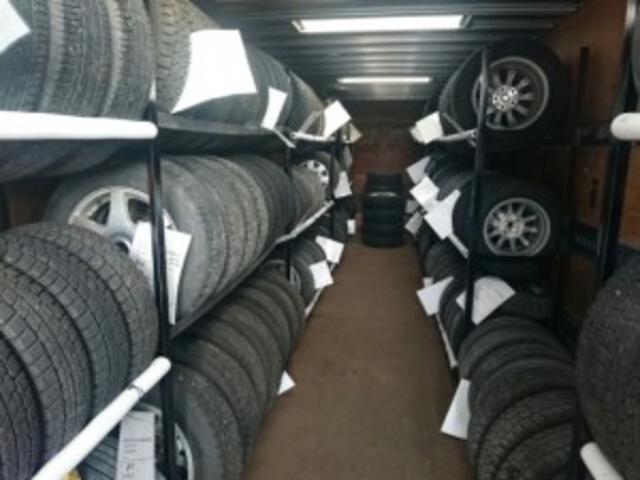 【タイヤ保管無料】※スタッドレスタイヤをご購入のお客様対象になります。