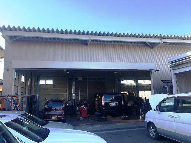 車検・点検・一般整備・パーツ取付などお車のことは全てお任せ下さい。
