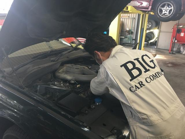国産車から、輸入車まで経験豊富なスタッフが対応させていただきます。
