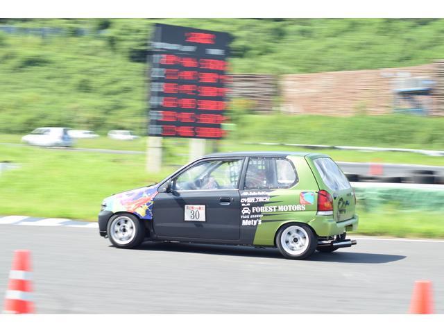 軽自動車の耐久レース等、誰もが気軽にチャレンジ出来るモータースポーツに積極的に参加しています!!