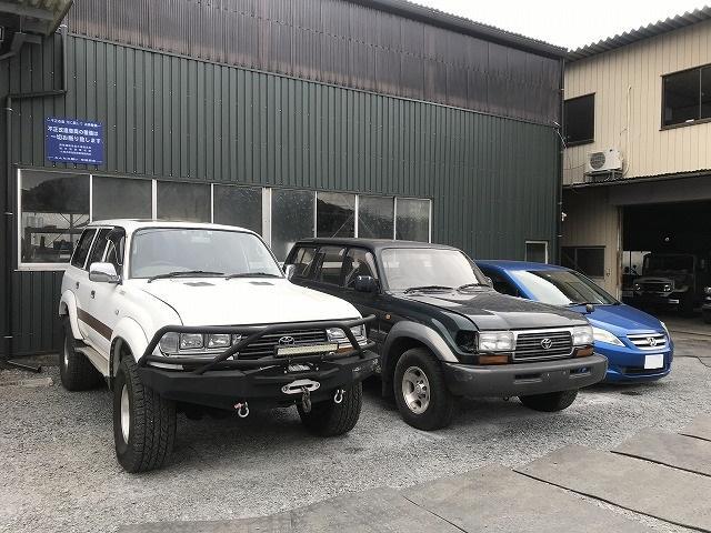 ランクル他4WD車は得意中の得意です。もちろん軽自動車や普通乗用車もお任せ下さい。