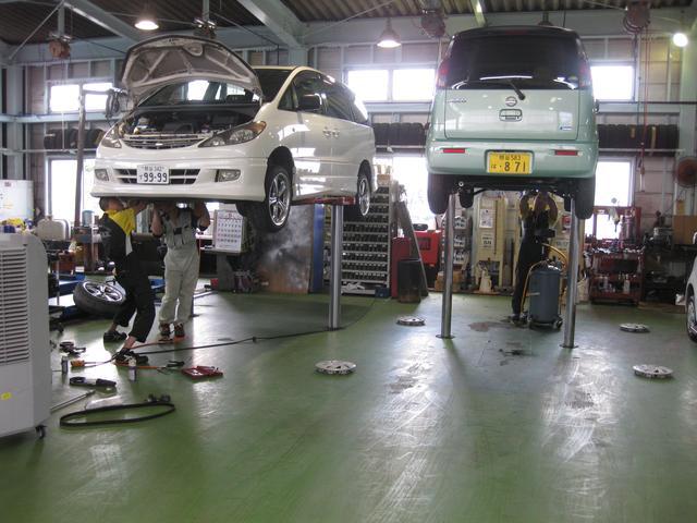サ−ビス整備部門はすべて本社工場にて行います.(タカハシ自動車)