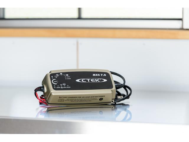 CTEC MXS7.0 バッテリーチャージャー バッテリーに優しい充電器です。
