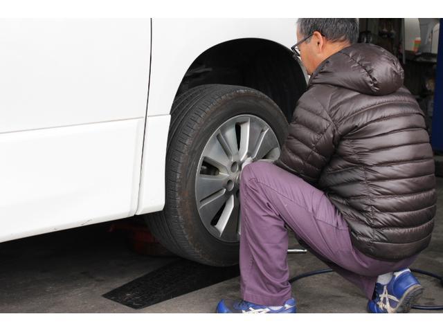 タイヤの組み換えや交換も対応しております。