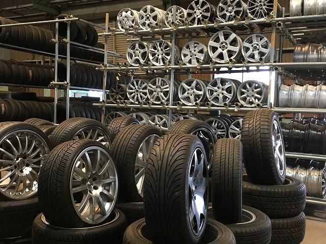 タイヤの品揃え豊富!新品・中古タイヤ・ホイールはオーバードライブへ!