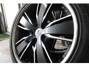 タイヤは車が地面と接する「足」になる部分です。