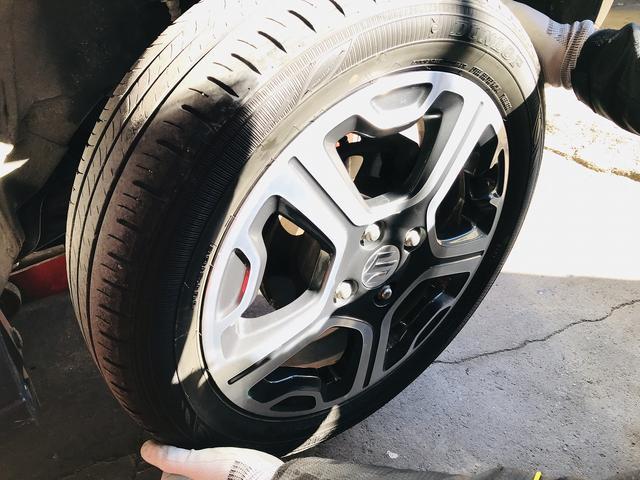 出張タイヤ交換もやってます!!お問合せ下さいませ。