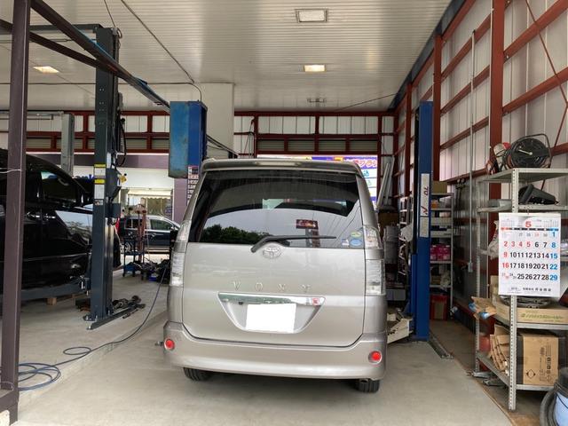 車検整備、パーツ取付は勿論、新車販売、中古車販売もお任せ下さい。