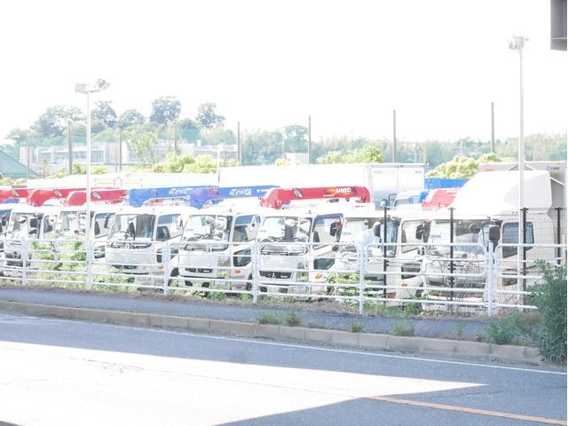 (株)カクタ トラック・バス専門店(5枚目)