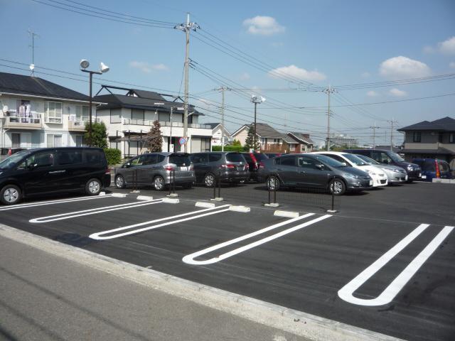 駐車場は当店裏側になります。