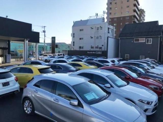 東京スカイツリ−に一番近い展示場です。(直線で5702メ−トル)ヤナセネットワーク都内最大級の展示場