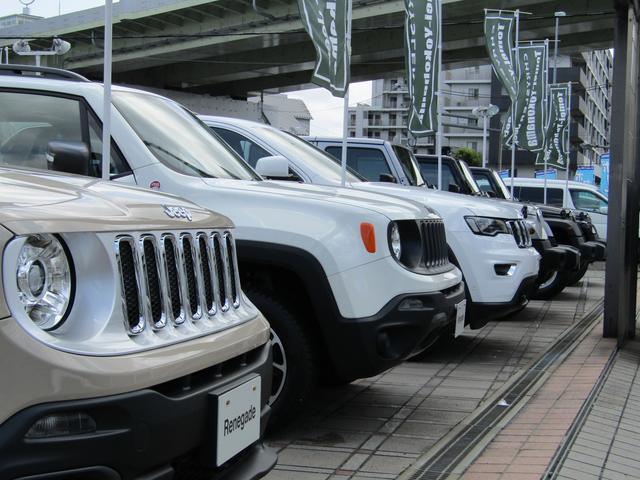 新車・中古車常時70台展示中!各種試乗車も取り揃えてありますので、お気軽にご来店下さい。