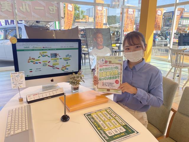 店頭には軽自動車を中心に展示しております!
