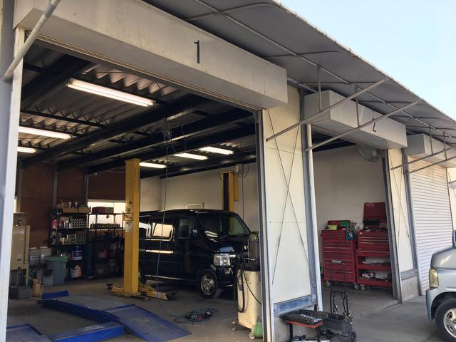 認証工場完備。迅速、丁寧を心がけております。修理、鈑金のアフターメンテナンスも安心です。
