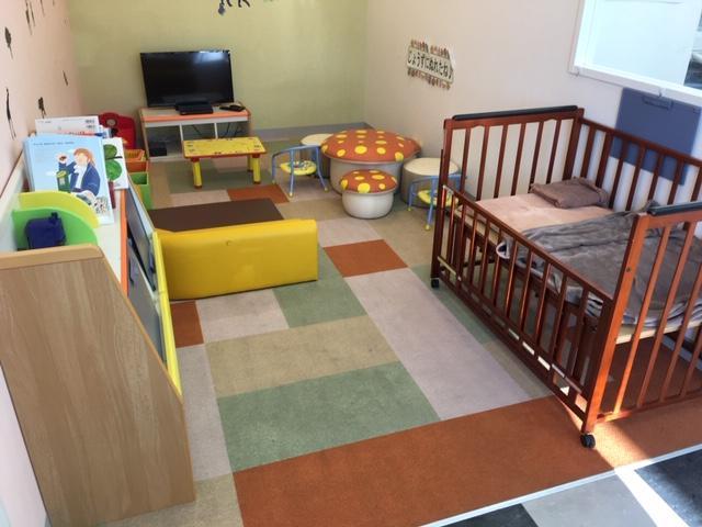 商談ルームやキッズルームも完備しております。小さなお子様連れも大歓迎です!