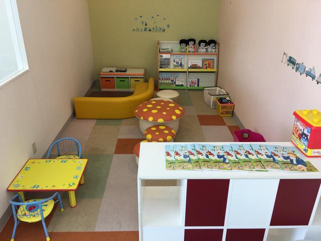 きれいなショールーム内にはキッズスペースも完備しております、是非ご家族で起こし下さい♪