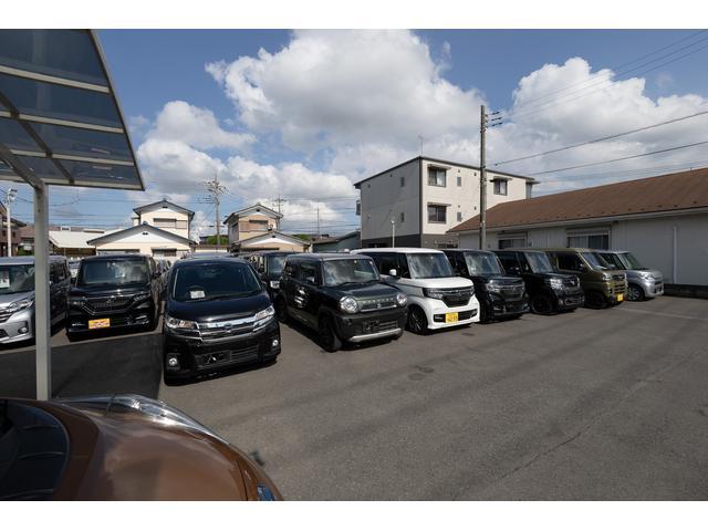 お車の種類もたくさんございます!デザインやルックス、そして用途までお客様だけの1台をご提案致します!