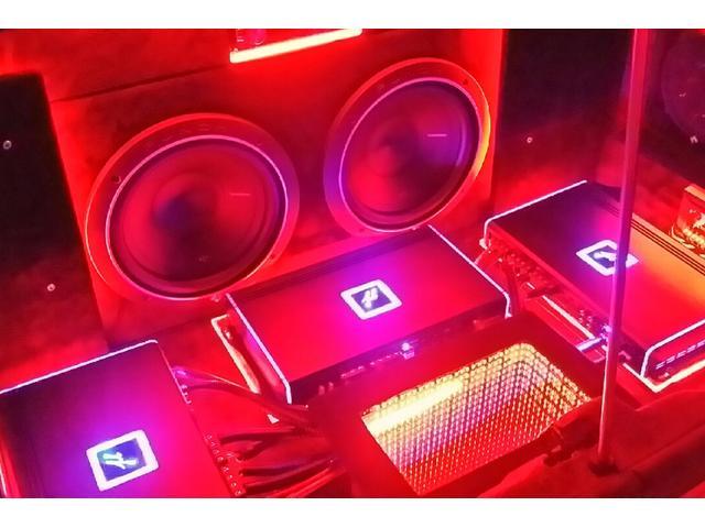 LED、オーディオカスタムも大得意です。大音量ではなく見た目と音質に拘っても作れます