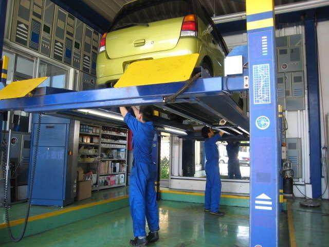創業1971年。多摩市の陸運局指定の車検工場。引き取り・納車も対応。