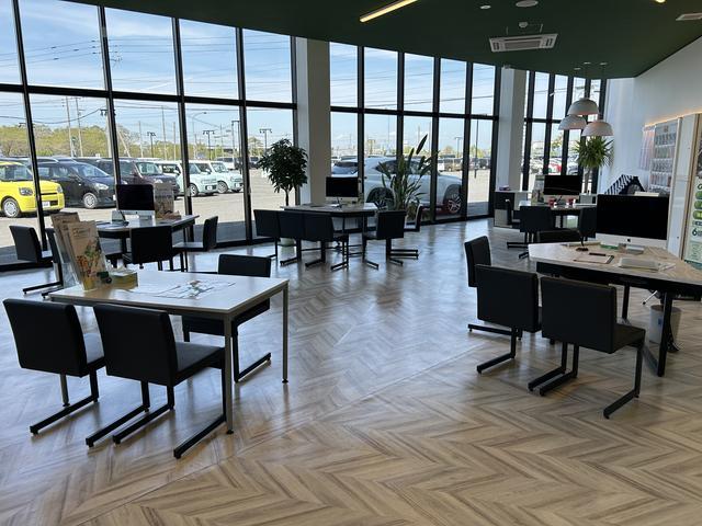 ガリバーアウトレット苫小牧店(株)IDOM(1枚目)