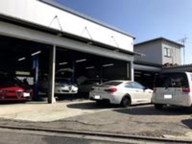 国産車・輸入車も、一般修理から鈑金塗装まで、当店にお任せください。