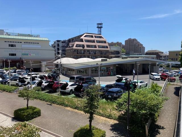 横浜トヨペット(株) ビークルステーション中川(3枚目)