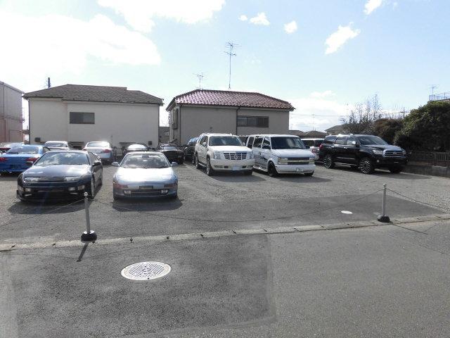 事業拡大の為、第二展示場ストックヤード開設!ネットに掲載されていない車両もございます。