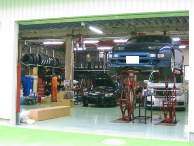 自社整備工場完備!各種メンテナンスも承ります。