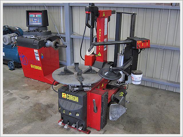 購入後の整備や修理の体制も整えています。