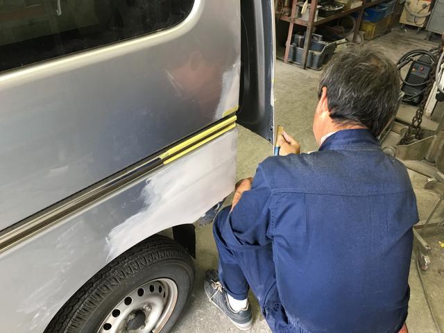 鈑金・塗装のほか溶接などの作業も行えますのでどんなお車も直せます!