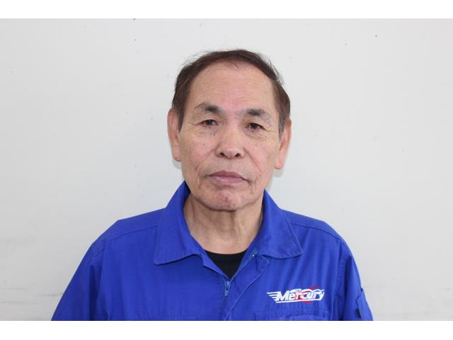 ボディリペア(鈑金塗装)担当の佐藤です。お客様の愛車のキズやヘコミを納得の仕上がりで修復します。