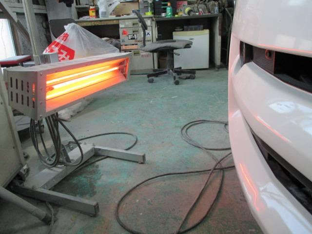 赤外線乾燥機つき塗装後にホコリが乗らないよう気をつけています。