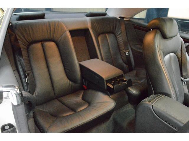 整備お預かり後はお客様のお車、外装、内装をスチームクリーニングしてお返しいたします。