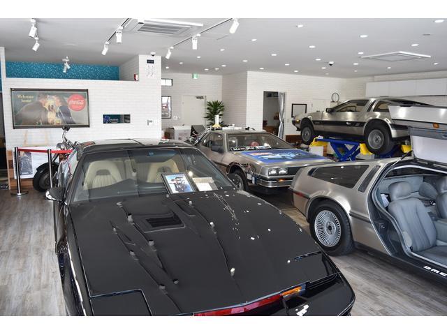店内展示ですので雨の日も快適に在庫車をご覧いただけます。