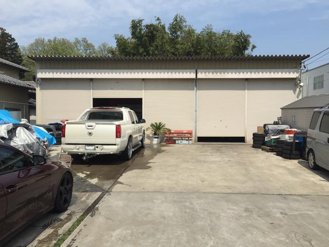 自社修理工場も完備しておりますので御納車後のアフターサービスも全力でお客様をサポート致します。
