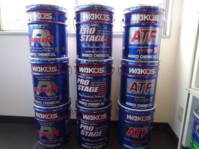 エンジンオイル、ATFなど各種オイルも常時完備!