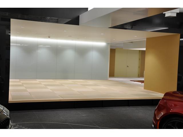 ショールーム奥では琉球畳で『和』をイメージ
