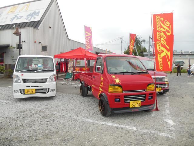 軽トラカスタムマガジン等に掲載されている車両も展示中です。各種パーツも取り扱っています