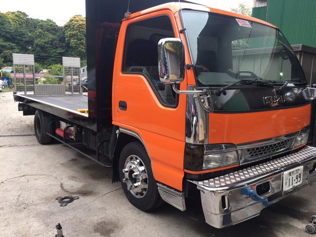 もちろん積載車完備しております。北は北海道、南は九州まで全国納車、お引き取り伺います。