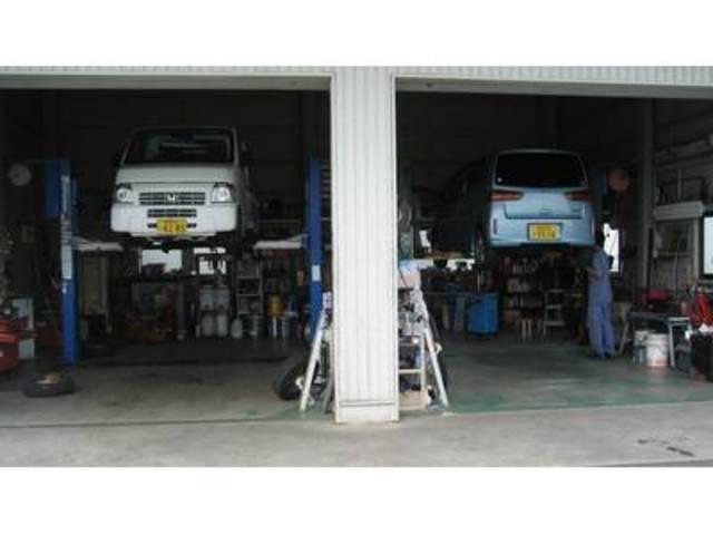 国の認可を受けた整備工場です。車検・修理・鈑金を承っております。代車無料 引取、納車も致します。