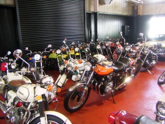 バイクも在庫が豊富ですのでご覧ください。