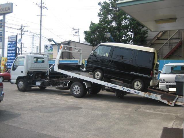 自社積載車を完備しておりますので、万が一の際は駆けつけさせて頂きます。