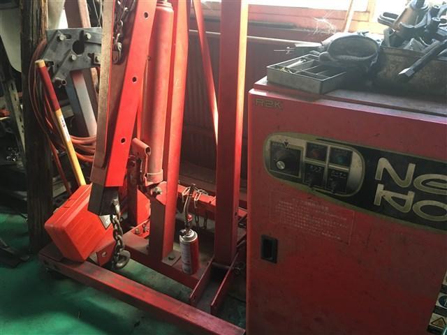 エンジンの降ろし、乗せ替え修理などの重整備も勿論お任せ下さい。