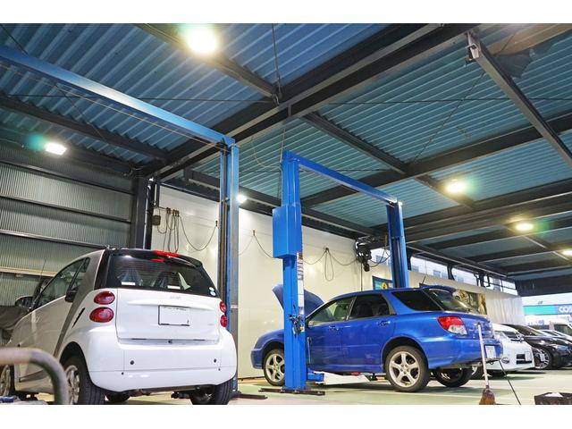 国産車から輸入車の整備、日頃のオイル交換、点検、車検、タイヤ交換などもお任せ下さい!
