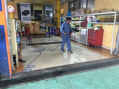 1台ごとに工場内を清掃します