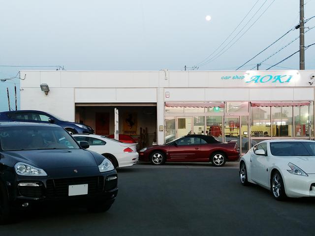 ご購入頂いたお車は全て、自社工場にて徹底的に整備、クリーニングして納車しております。