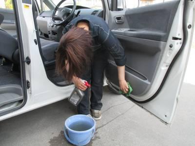 ただ今洗車中!